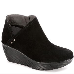NIB Skechers Parallel Ditto Wedge Booties